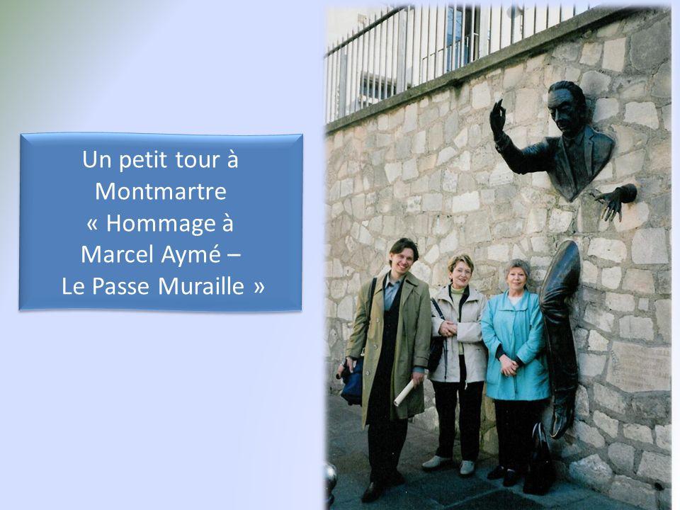 Un petit tour à Montmartre « Hommage à Marcel Aymé – Le Passe Muraille » Un petit tour à Montmartre « Hommage à Marcel Aymé – Le Passe Muraille »