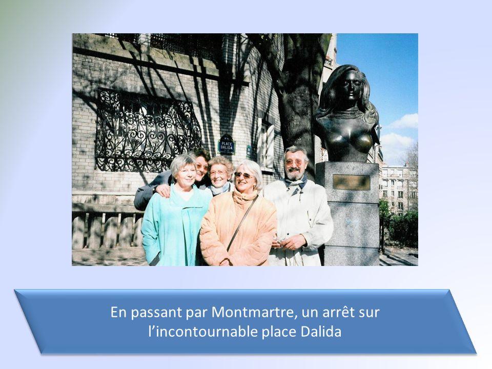 En passant par Montmartre, un arrêt sur lincontournable place Dalida En passant par Montmartre, un arrêt sur lincontournable place Dalida