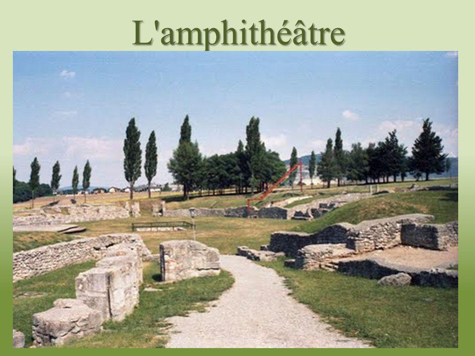 La route de lAmbre La Route de lAmbre était lancien itinéraire le long duquel se développèrent le commerce et le transfert de lambre.