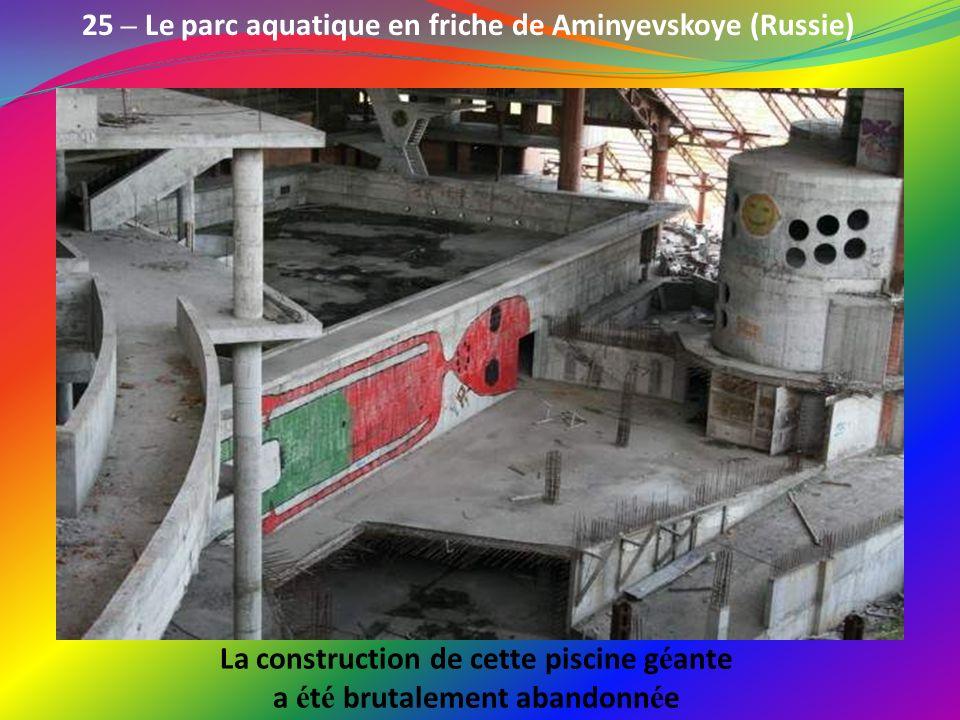 24 – L ancienne base sous-marine de Balaklava (Ukraine) Une ancienne base sous-marine de l é poque sovi é tique