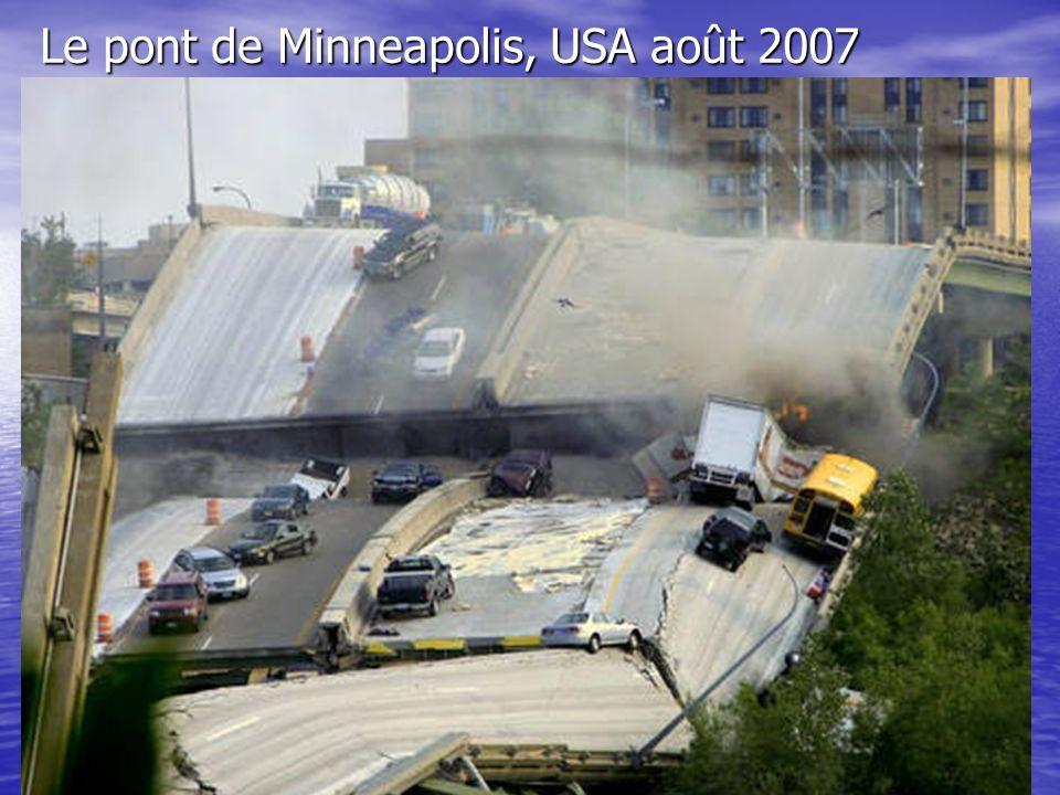 Le pont de Minneapolis, USA août 2007
