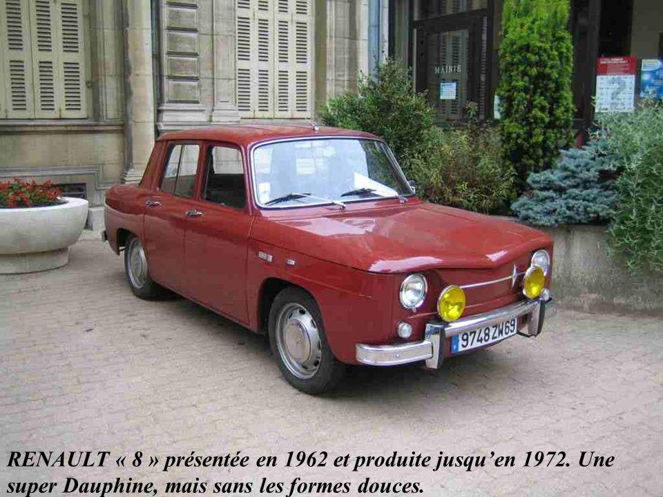 CITROEN 3 CV « Ami 6 » lancée en 1961. Une hérésie de style à laquelle succéda en 1968 l « Ami 8 » plus esthétique.