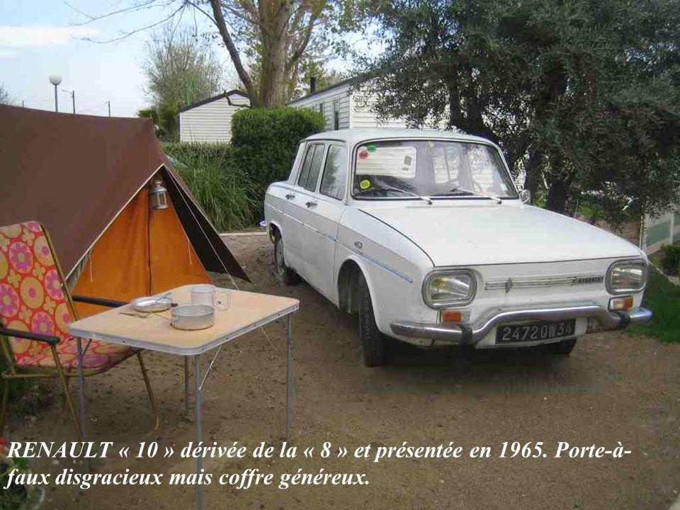 RENAULT « 8 » présentée en 1962 et produite jusquen 1972. Une super Dauphine, mais sans les formes douces.