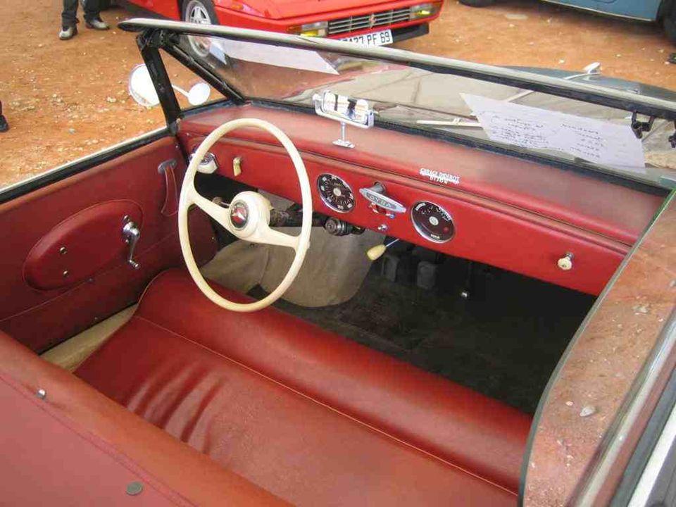 PANHARD « Dyna Junior » produite de 1952 à 1956, pour une jeunesse « bling-bling » pas encore fortunée !