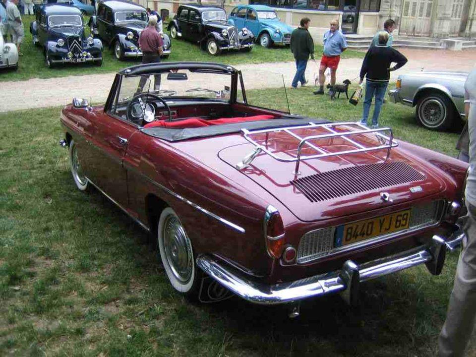 RENAULT Cabriolet « Caravelle » qui a succédé en 1962 à la « Floride » de 1958. Une mécanique de Dauphine, puis de R8, habillée par le carrossier ital