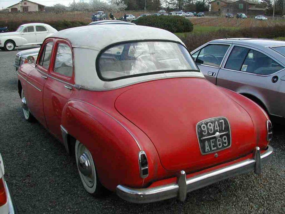 RENAULT « Frégate » présentée en 1950 et produite jusquen 1960.
