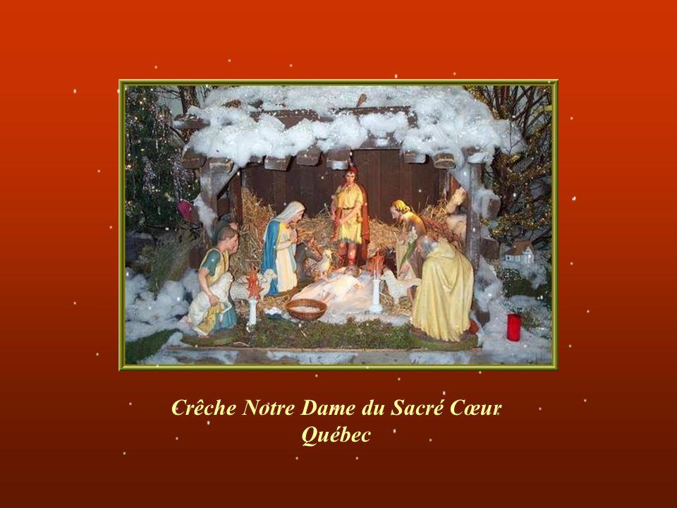 La religion chrétienne qui célébrait jusquau 3ème siècle la naissance du Christ le 6 Janvier décida en 354 que le 25 Décembre deviendrait la date de l