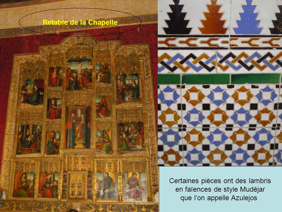 La salle des Rois possède une frise composée de 52 statues de Rois De Castille et Léon.
