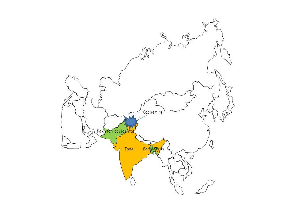 Aussi, le Cachemire est envahi par des tribus Pathans venant du Nord du Pakistan.
