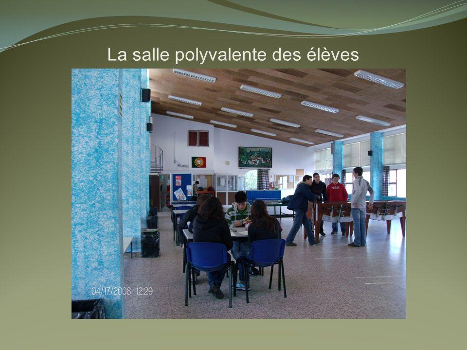 La salle polyvalente des élèves