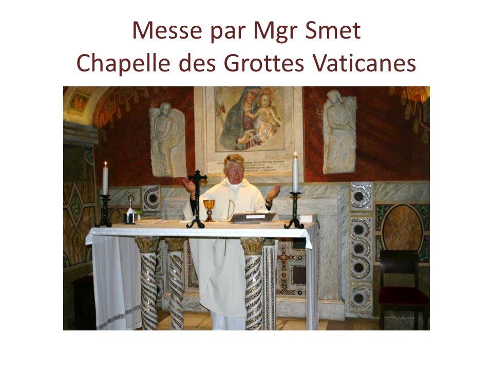 Messe dans une chapelle des Grottes vaticanes Visite* Basilique Saint-Pierre Déjeuner Da Luigi Promenade dans le centre Dîner chez les Sœurs de Sainte