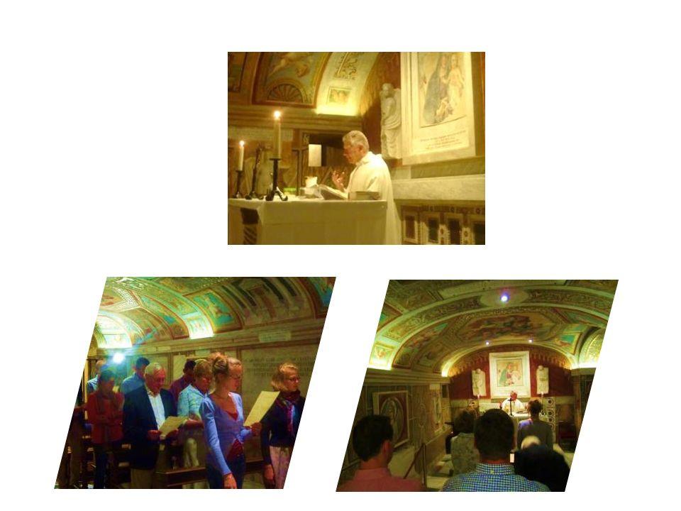 Messe par Mgr Smet Chapelle des Grottes Vaticanes
