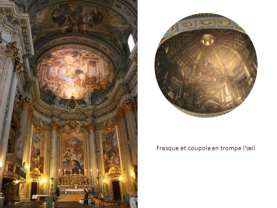 L'église Saint-Ignace-de-Loyola … … dont laccès se fait par la ravissante petite place Saint-Ignace, décor baroque