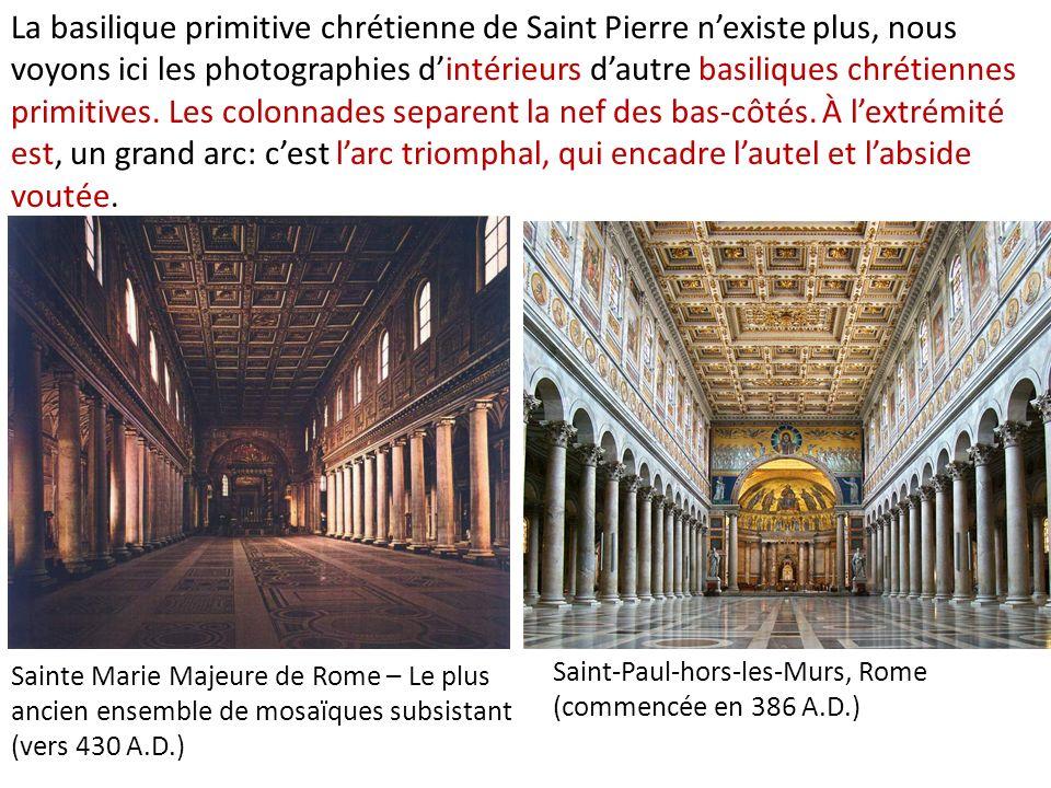 Le mur de la nef est percé de fenêtres au dessus des arcs reposant sur les colonnes.