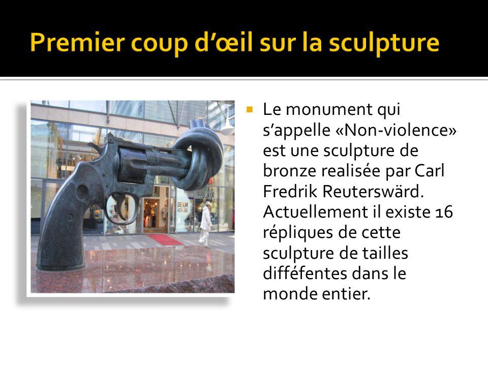 Le monument qui sappelle «Non-violence» est une sculpture de bronze realisée par Carl Fredrik Reuterswärd.