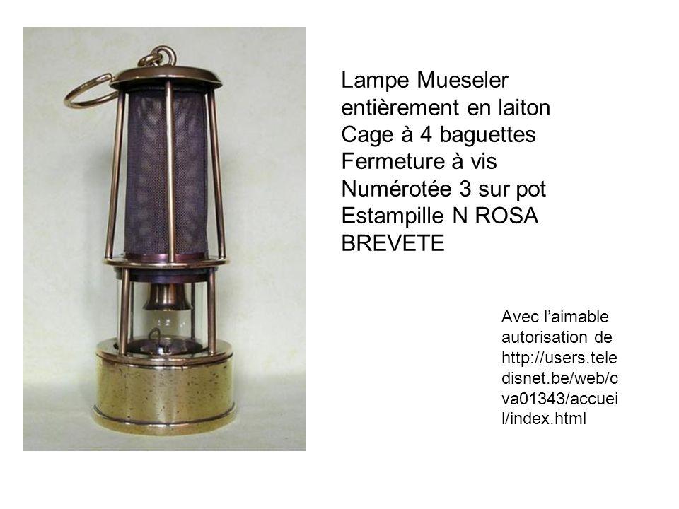 Lampe Mueseler entièrement en laiton Cage à 4 baguettes Fermeture à vis Numérotée 3 sur pot Estampille N ROSA BREVETE Avec laimable autorisation de ht