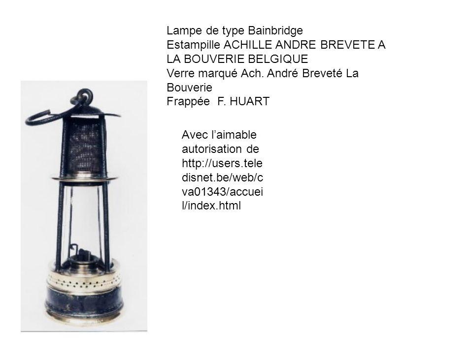 Lampe de type Bainbridge Estampille ACHILLE ANDRE BREVETE A LA BOUVERIE BELGIQUE Verre marqué Ach. André Breveté La Bouverie Frappée F. HUART Avec lai