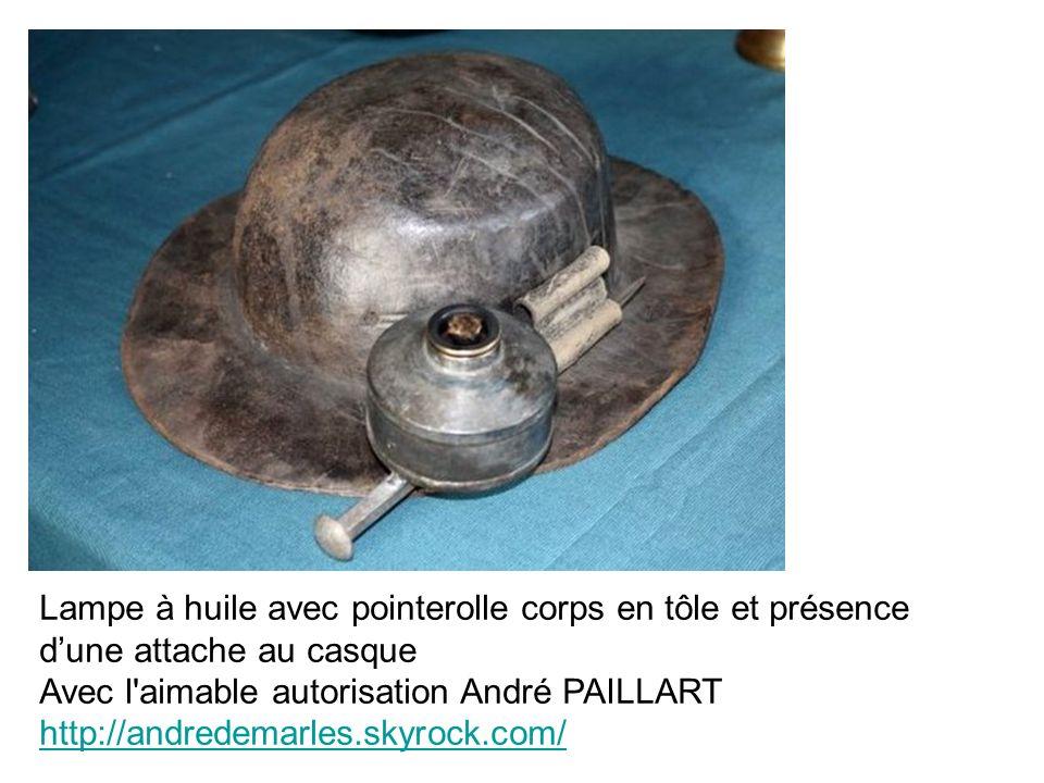 Lampe à huile avec pointerolle corps en tôle et présence dune attache au casque Avec l'aimable autorisation André PAILLART http://andredemarles.skyroc