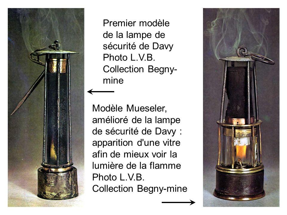 Premier modèle de la lampe de sécurité de Davy Photo L.V.B. Collection Begny- mine Modèle Mueseler, amélioré de la lampe de sécurité de Davy : apparit