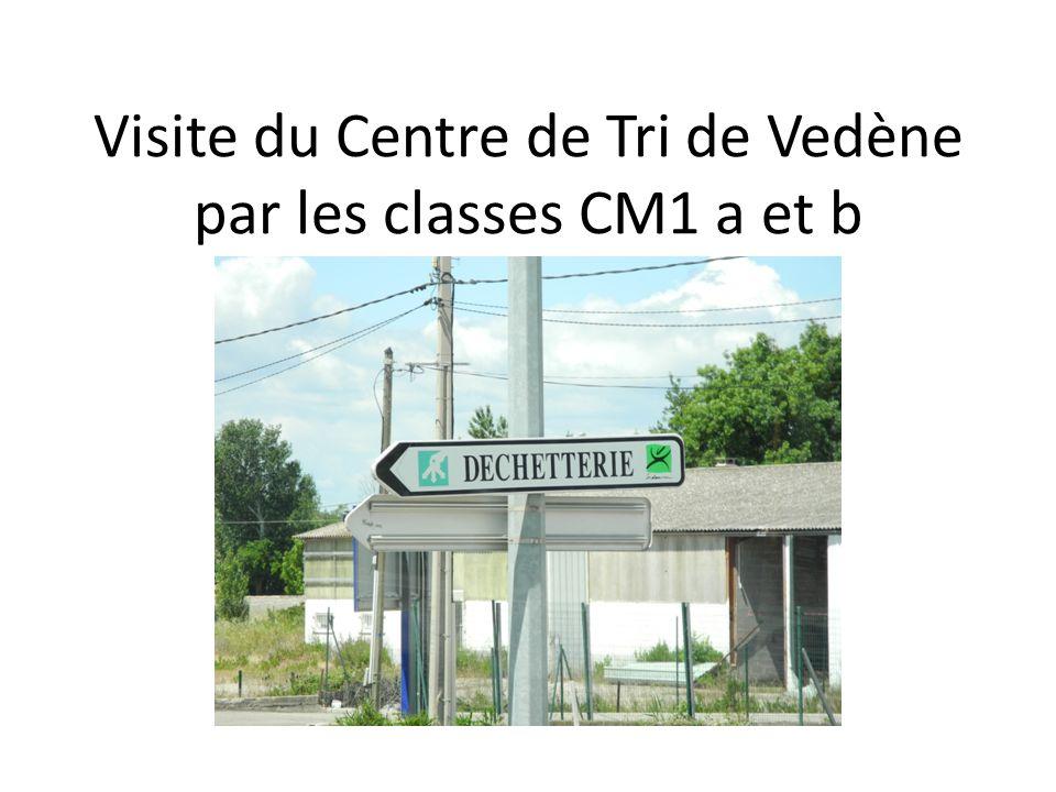 Visite du Centre de Tri de Vedène par les classes CM1 a et b