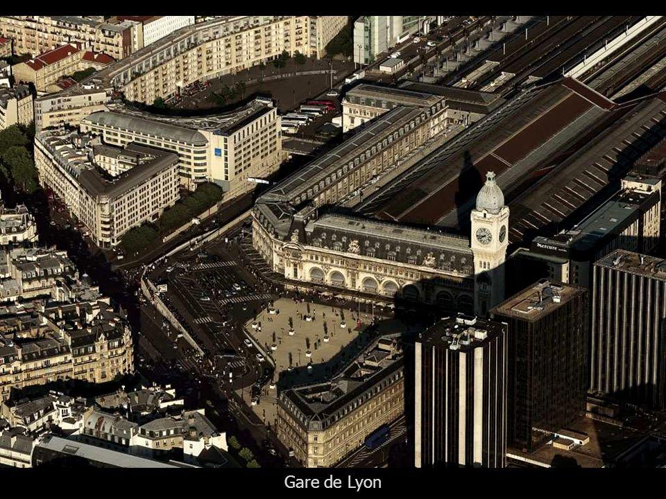 Forum et jardin des Halles et l'Eglise Saint-Eustache