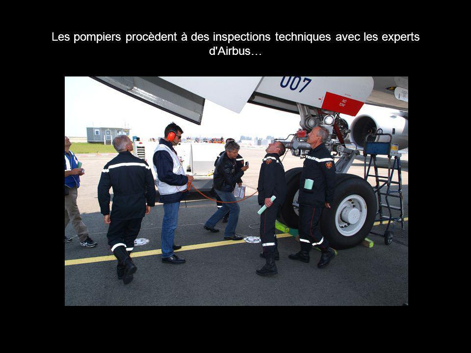 Les pompiers procèdent à des inspections techniques avec les experts d'Airbus…