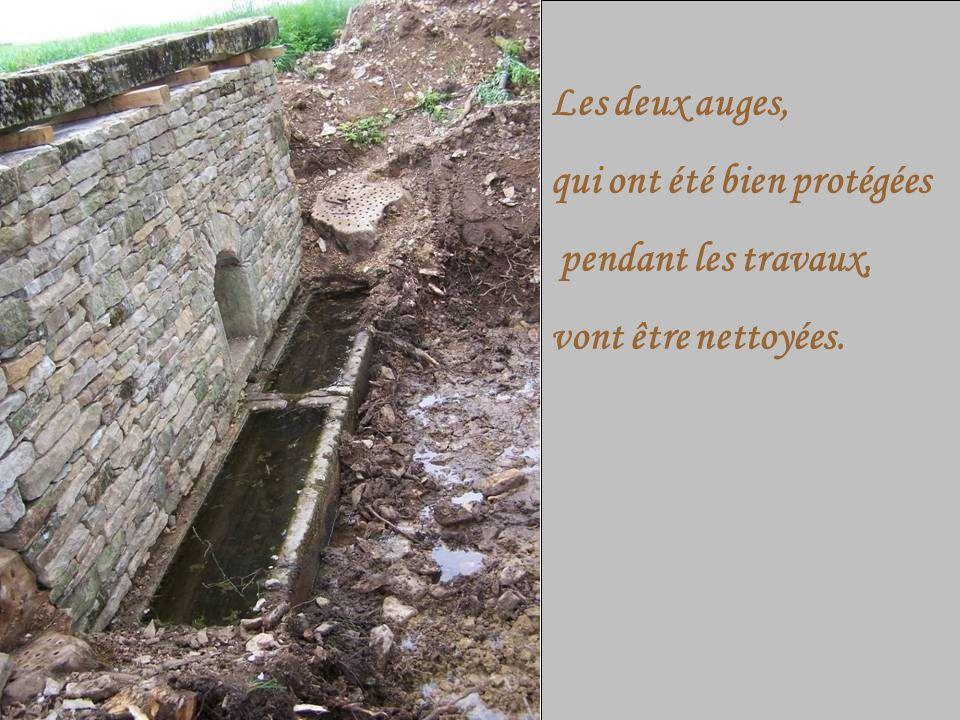 Les deux auges, qui ont été bien protégées pendant les travaux, vont être nettoyées.