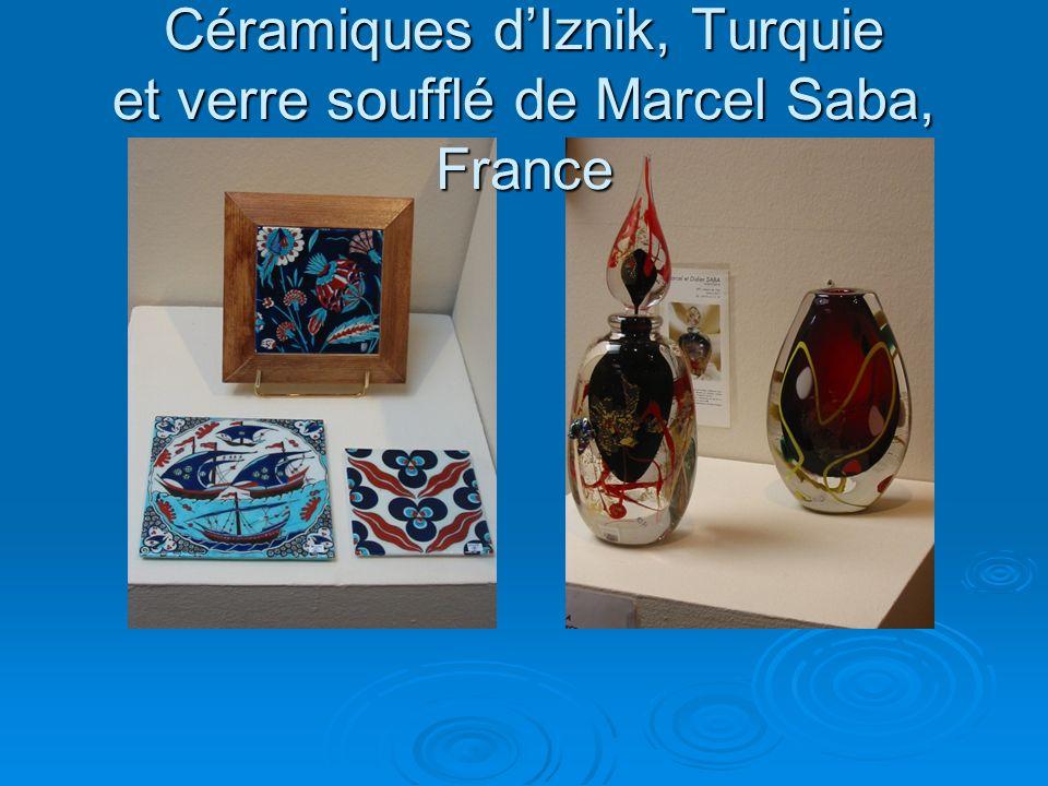 Céramiques dIznik, Turquie et verre soufflé de Marcel Saba, France