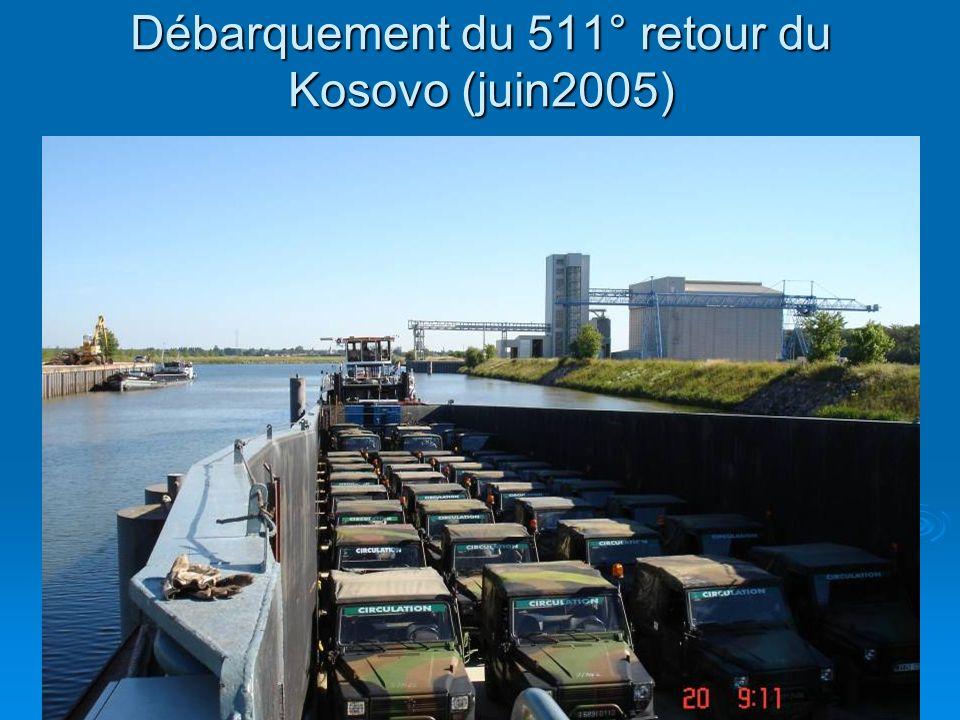 dsc0036927 Débarquement du 511° retour du Kosovo (juin2005)