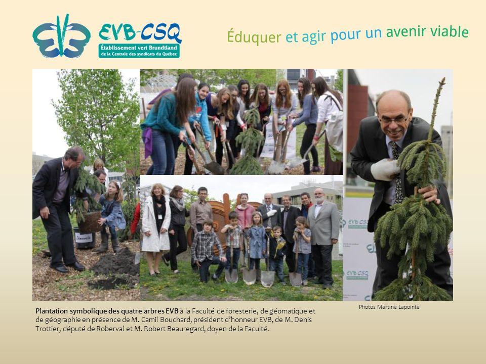 Photos Martine Lapointe Plantation symbolique des quatre arbres EVB à la Faculté de foresterie, de géomatique et de géographie en présence de M. Camil