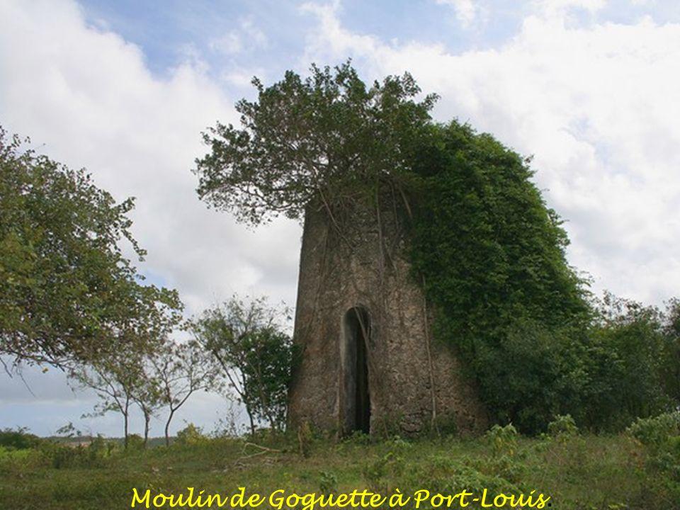 . Chapelle de la Piéta dans l'ancien moulin à Port-Louis
