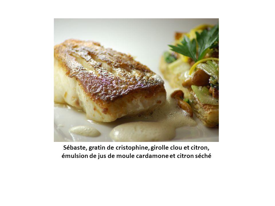 Omble chevalier, risotto aux herbes et crème de champignons de Paris