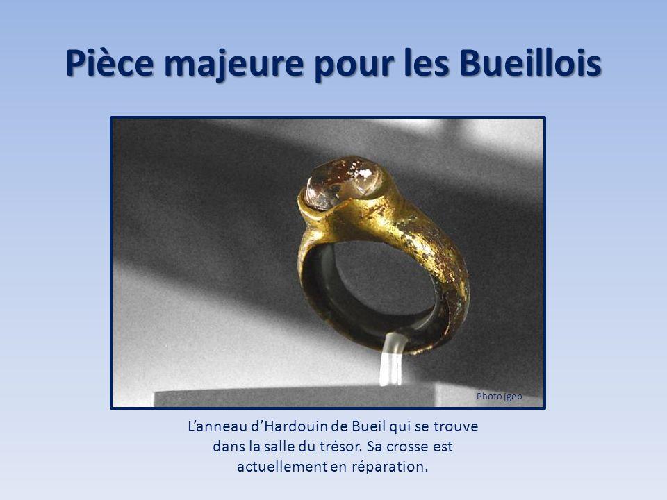 Pièce majeure pour les Bueillois Lanneau dHardouin de Bueil qui se trouve dans la salle du trésor. Sa crosse est actuellement en réparation. Photo jge