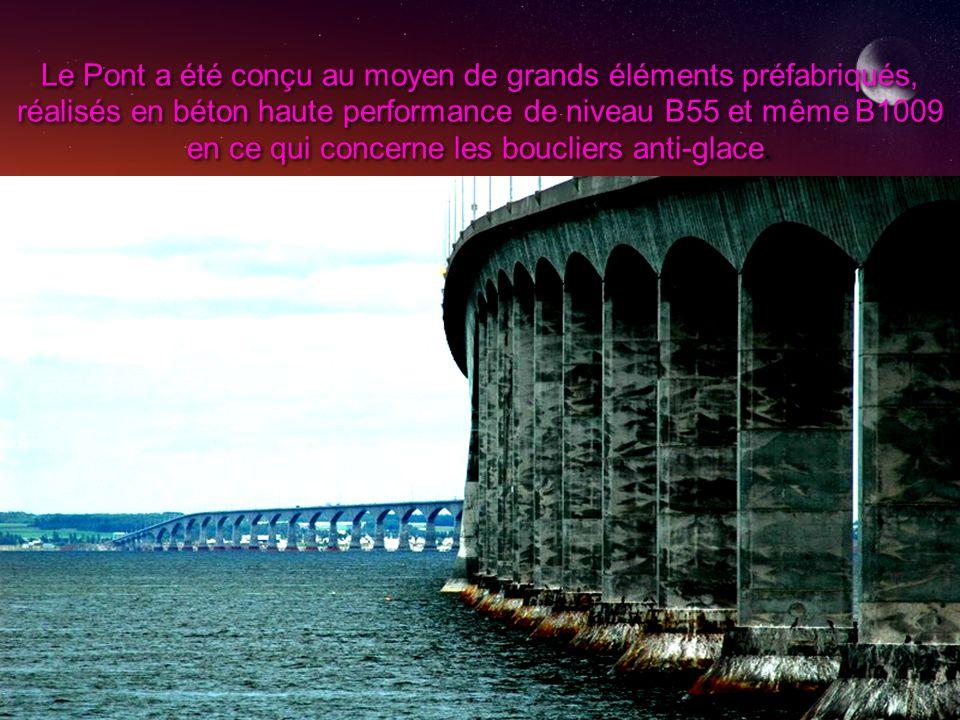 Le Pont a été conçu au moyen de grands éléments préfabriqués, réalisés en béton haute performance de niveau B55 et même B1009 en ce qui concerne les b