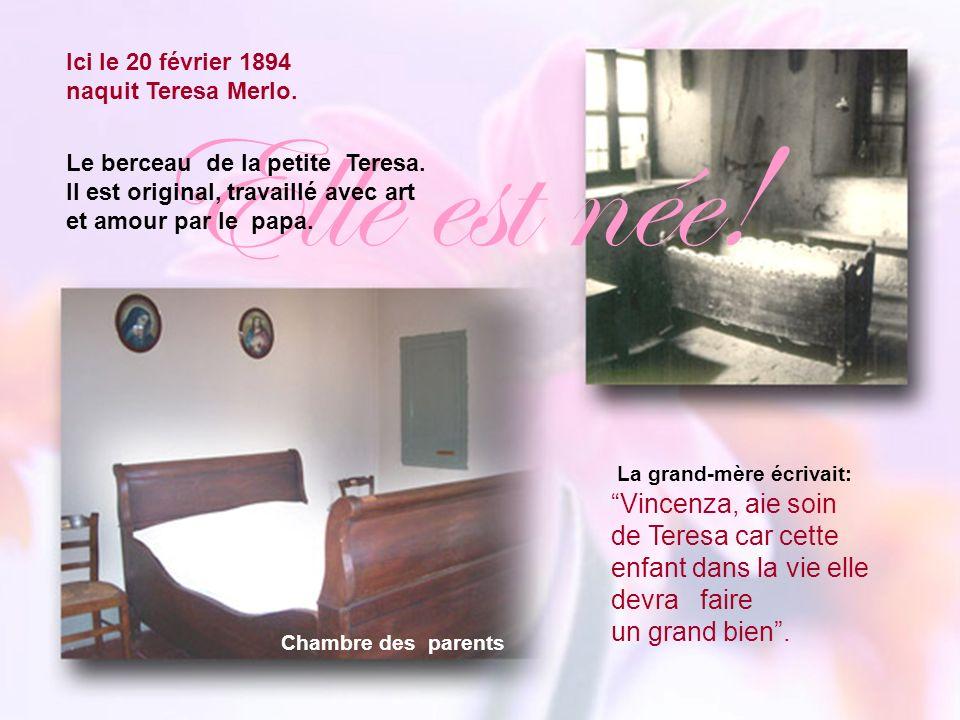 Chambre des parents La grand-mère écrivait: Vincenza, aie soin de Teresa car cette enfant dans la vie elle devra faire un grand bien.