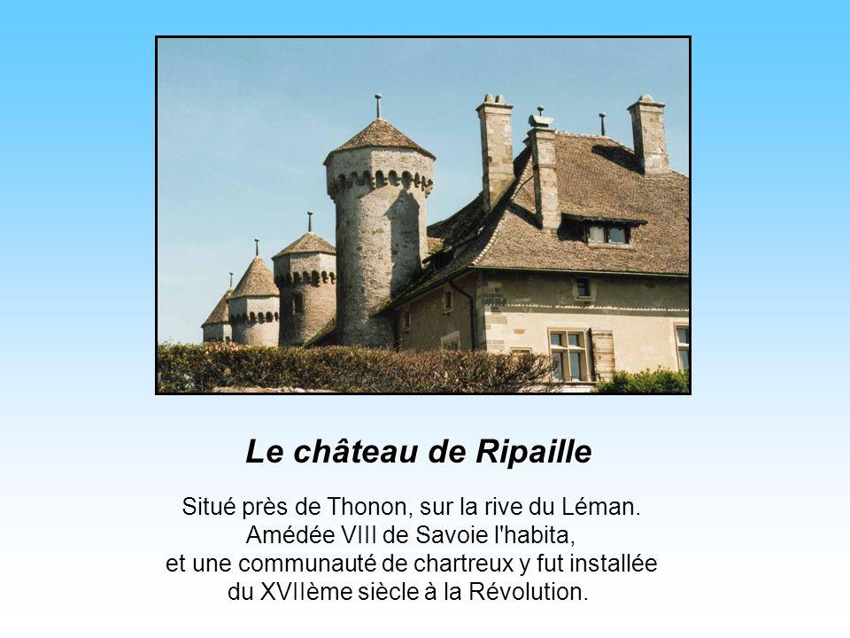Situé près de Thonon, sur la rive du Léman.