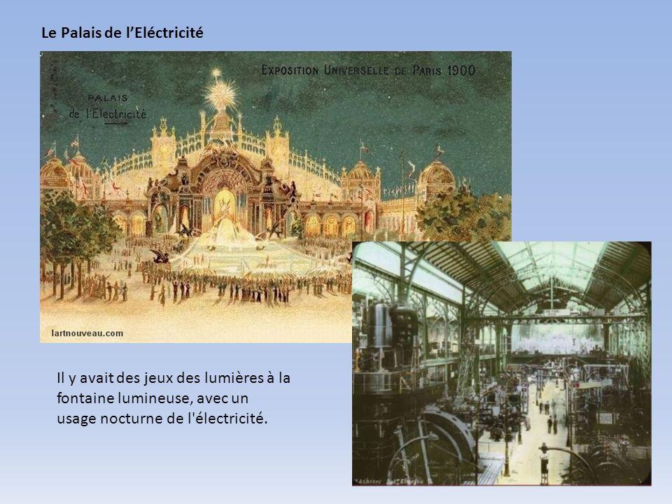 Le Palais de lEléctricité Il y avait des jeux des lumières à la fontaine lumineuse, avec un usage nocturne de l'électricité.