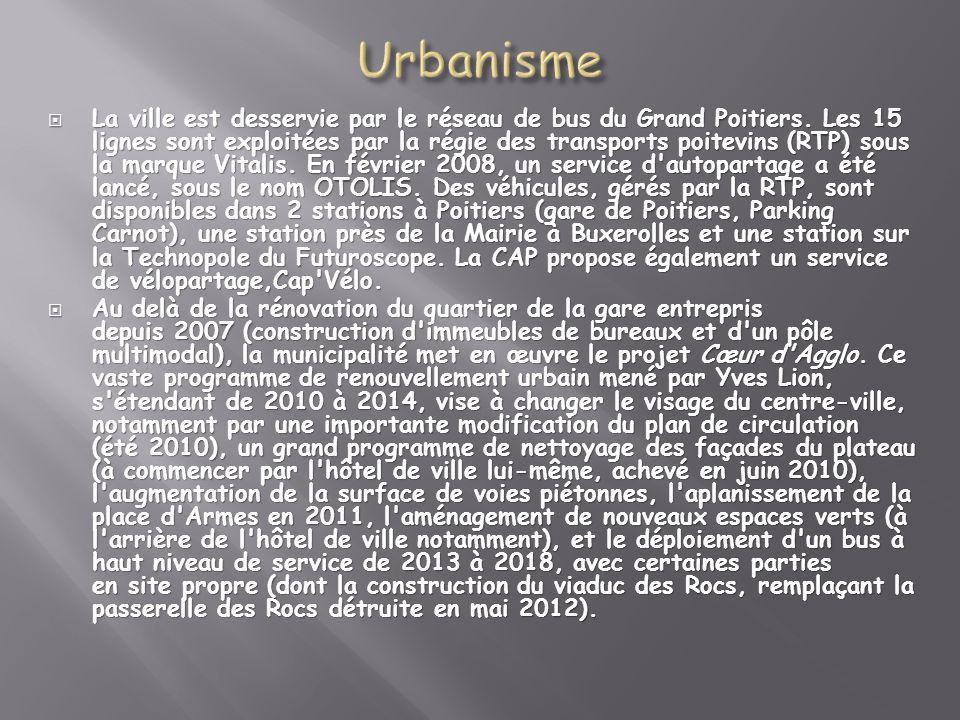 La ville est desservie par le réseau de bus du Grand Poitiers. Les 15 lignes sont exploitées par la régie des transports poitevins (RTP) sous la marqu