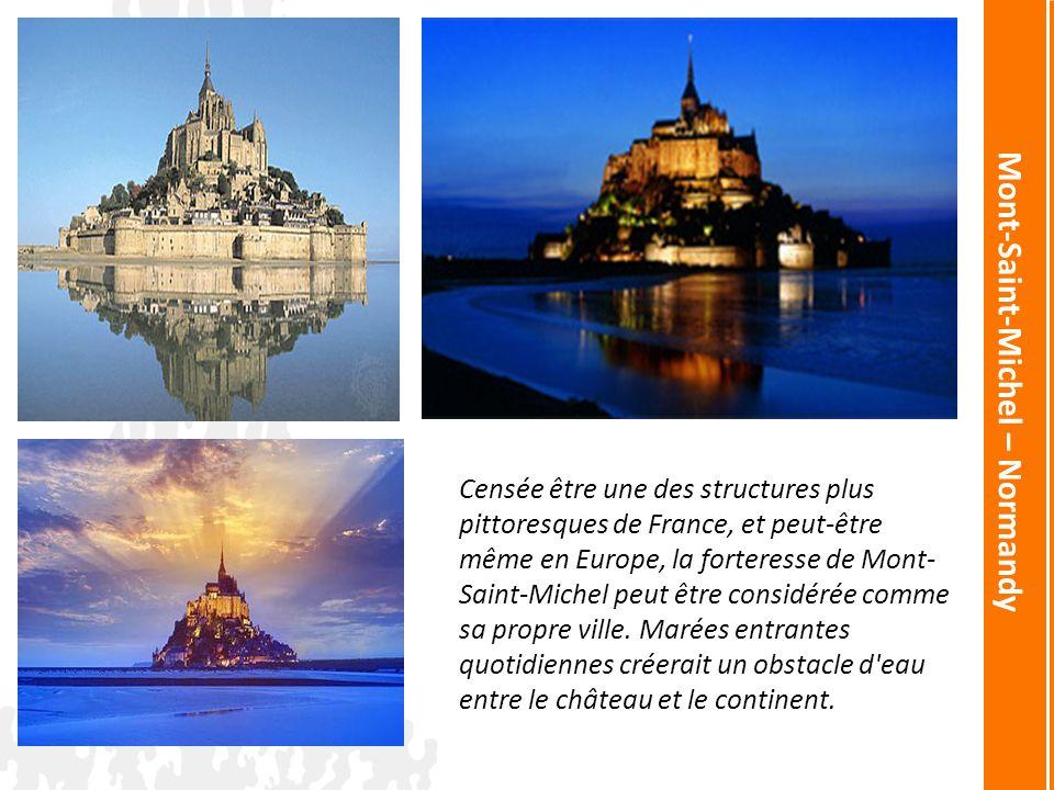The Medieval Castle of Tarascon – Provence Voici les photos du château médiéval de Tarascon – Provence sous des angles différents.
