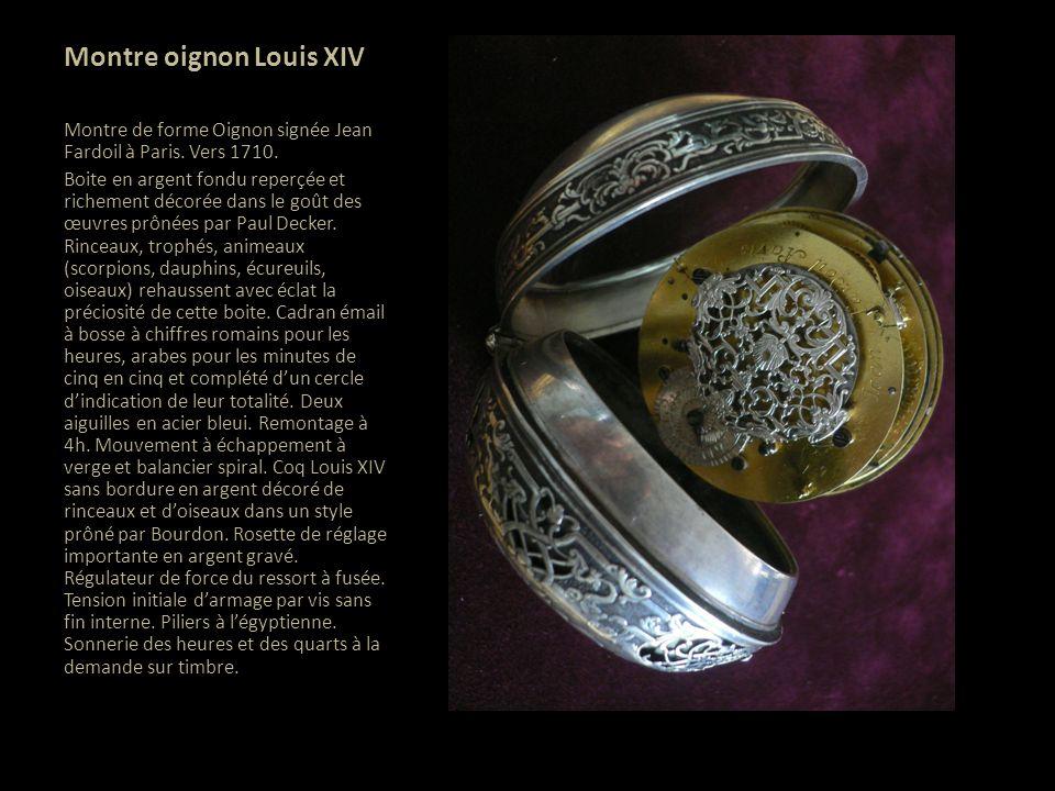 Coq Louis XIV dédié à lAmour vers 1660 Coq en argent à dentelles sans bordure dun diamètre de 40 mm, ce magnifique coq de grande dimension représente une voluptueuse Vénus nue, allongée dans un décor de fleurs.