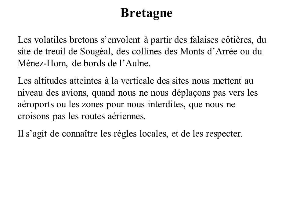 Bretagne Les volatiles bretons senvolent à partir des falaises côtières, du site de treuil de Sougéal, des collines des Monts dArrée ou du Ménez-Hom,