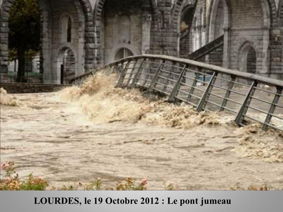 LOURDES, le 19 Octobre 2012 : Le pont jumeau