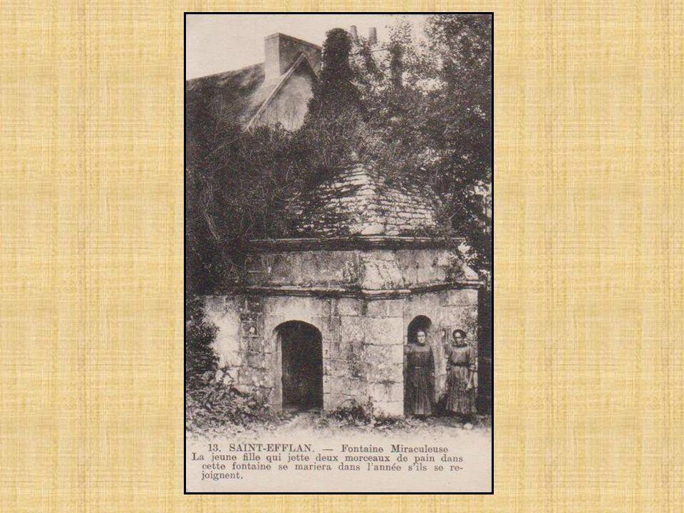 La légende raconte que cette fontaine est érigée par un comte d'Uzel, compagnon de Charles VIII, en route pour les guerres d'Italie. Victime d'une emb