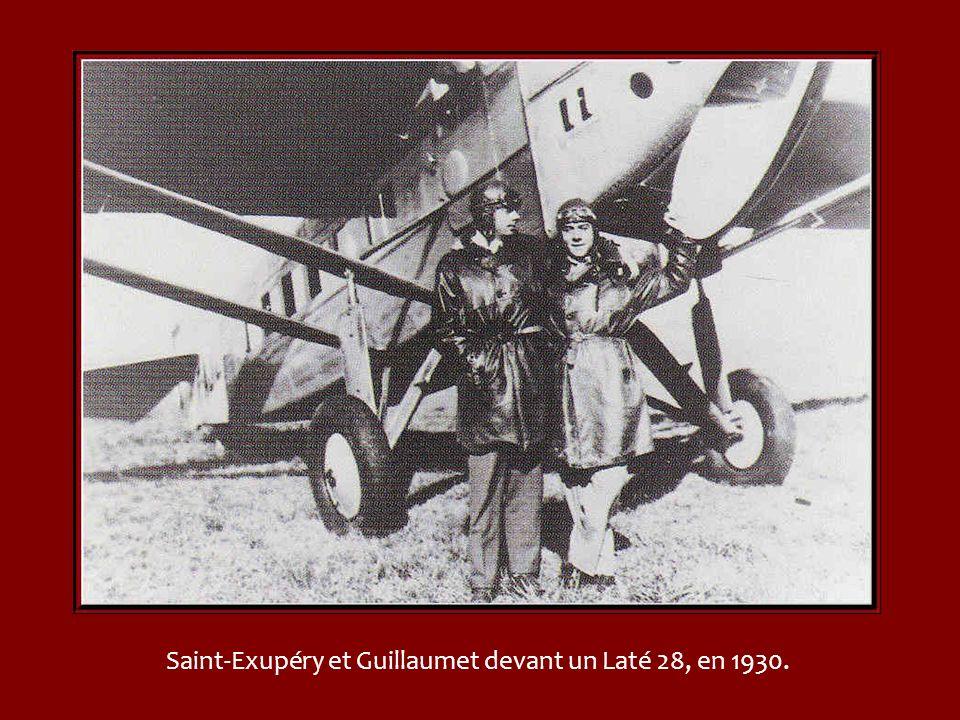 Depuis 1933, année ou lAéropostale est absorbée par la toute nouvelle compagnie Air-France, Guillaumet vole sous les couleurs de lHippocampe ailé. La