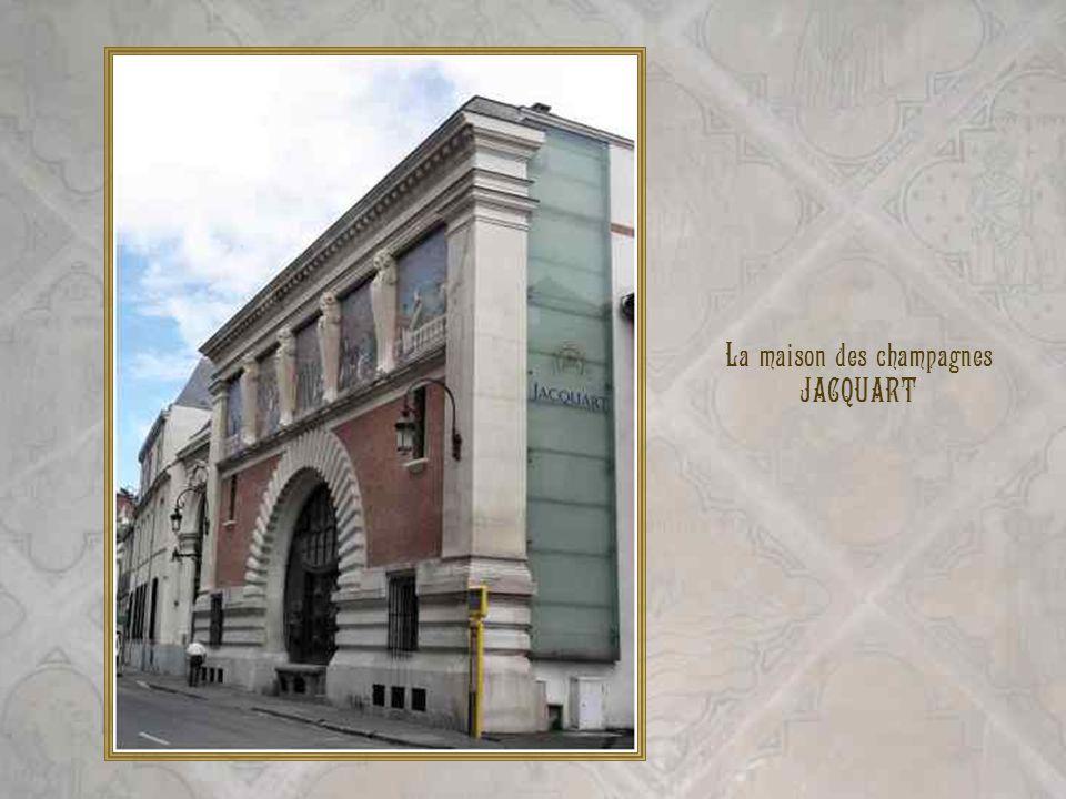 La maison des champagnes JACQUART