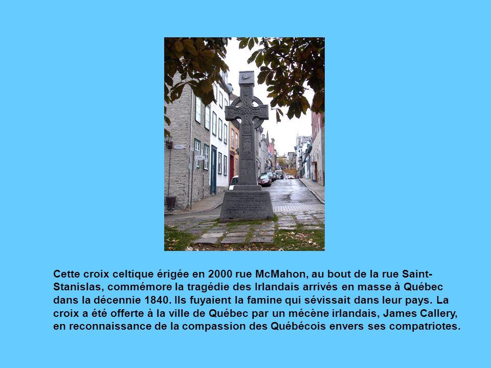 La rue du Petit-Champlain, haut lieu touristique du Québec actuel, doit son nom à une erreur de traduction. Jadis peuplée par des Irlandais qui servai