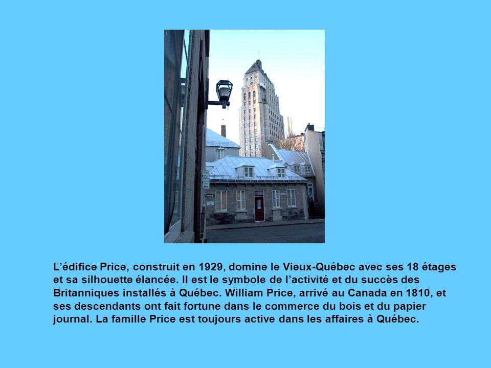 Cette croix celtique érigée en 2000 rue McMahon, au bout de la rue Saint- Stanislas, commémore la tragédie des Irlandais arrivés en masse à Québec dan