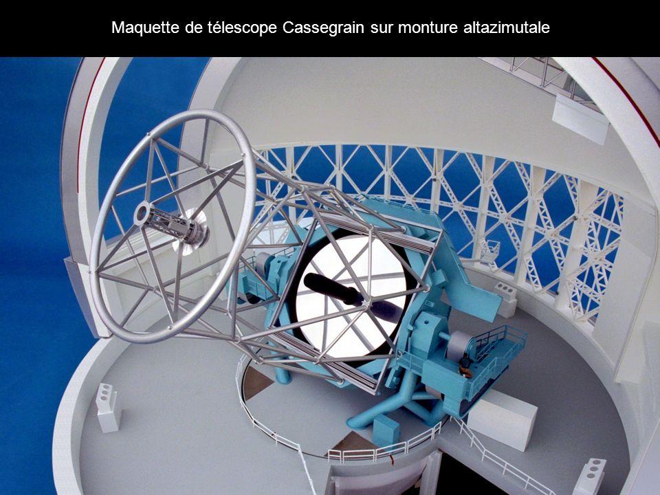 Maquette de télescope Cassegrain sur monture altazimutale