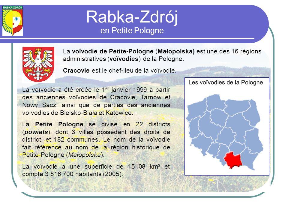 La voïvodie a été créée le 1 er janvier 1999 à partir des anciennes voïvodies de Cracovie, Tarnów et Nowy Sącz, ainsi que de parties des anciennes voïvodies de Bielsko-Biała et Katowice.
