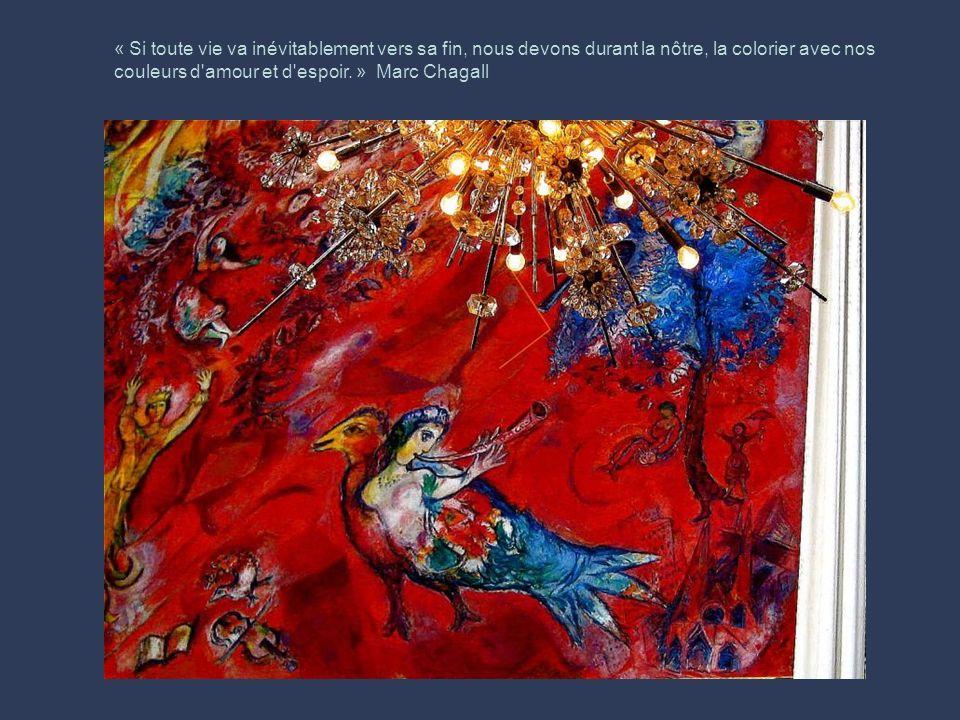 Marc Chagall, né Moïshe Zakharovich Shagalovest un peintre juif, né le 7 juillet 1887 à Vitebsk, en Biélorussie, naturalisé français en 1937 et mort l